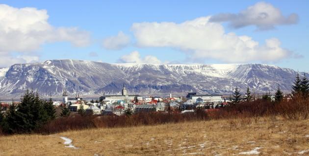 Reykjavik_Esja