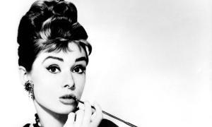 Audrey Hepburn: Krásná hvězda světových rozměrů tváří i srdcem