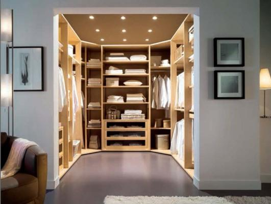 the-luxury-of-owning-a-nice-wardrobe