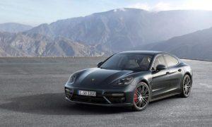 Porsche Panamera: Představení letadlové lodi na kolech