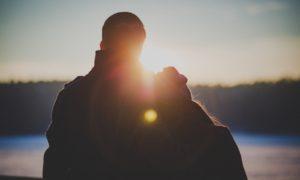 Vztah: 12 kroků ze zamilovanosti k pevnému vztahu